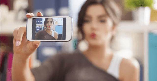 Selfie'ler Bizi Daha Narsist mi Yapıyor?